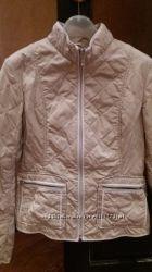 Женская легкая куртка QEOX светло бежевого цвета на молнии