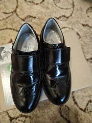 Туфли Bartek для мальчика р. 30 в идеальном состоянии