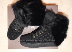 Замшевые зимние ботиночки с натуральным мехом внутри louis vuitton