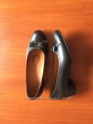 Кльові зручні туфельки вітаж шкіра 25-25, 5см не секонд