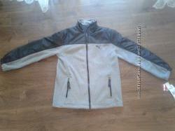 Продам НОВУЮ спортивную кофту - куртку Puma оригинал, размер М