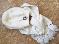 в наличии вызаный комплект шарф и шапка белый цвет Dior