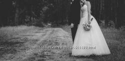 Ну очень красивое свадебное платье. Цену снижено.