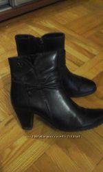 Продам красивые кожаные ботиночки. Фирмы CAPRICE.