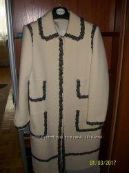 Продам эксклюзивное демисезонное пальто.