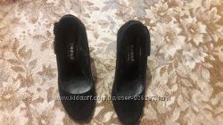 Продам туфли замшевые очень красивые