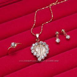 Очаровательный и нежнейший комплект - цепочка с подвеской, серьги и кольцо