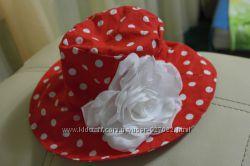 Красная шляпа в горошек