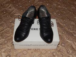 Кожаные хорошие туфли