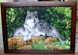 Картины вышитые бисером. Волки.