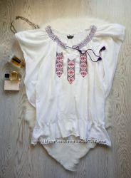 Белая блуза вышиванка с резинкой на плечах и воланами снизу батал большой р