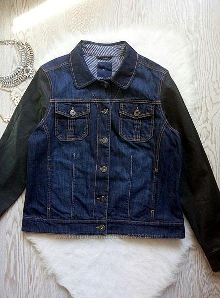 Синяя плотная джинсовая куртка с черными кожзам рукавами с напылением