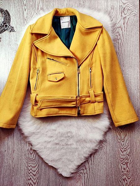 Желтая короткая куртка пальто шерсть кашемир косуха с карманами поясом молн