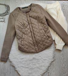 Бежевая коричневая куртка деми на молнии замке дутая с трикотажными рукавам