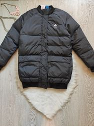 Черная зимняя короткая спортивная куртка бомбер натуральный пуховик пух пер