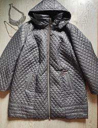 Серая стеганая куртка деми на молнии пальто с узором длинная батал большой