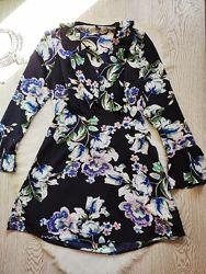 Синее короткое платье разноцветное цветочный принт рисунок на запах