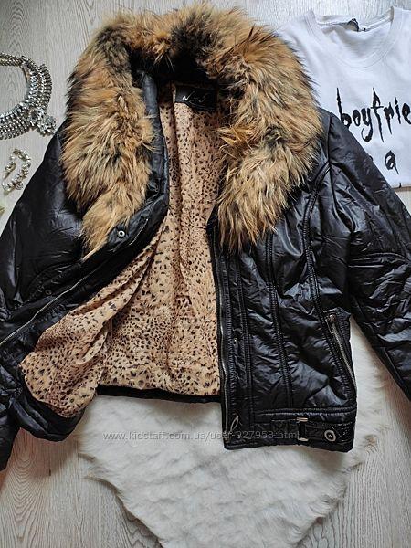 Черная короткая деми куртка теплая с натуральным мехом