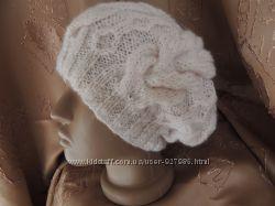 Вязаная шапка Нежность лепестков