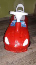 Машинка толокар для ребенка