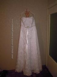шикарное свадебное платье 46 р.