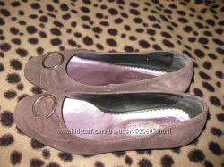 Туфли с низким каблуком