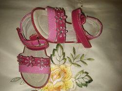 Босоніжки для вашої принцеси Nelli Blu22 розмір 13.5 см , Мinnie 22 р.14 см