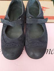 Продам туфли Лапси