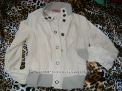 Актуальная стильная вельветовая куртка