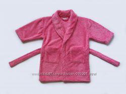 Махровый халат на 2-3 года, бу. Хорошее состояние, без пятен. Очень мягень