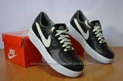 Женские кроссовки Nike 36-40 в цветах