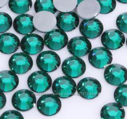 Стразы хрустальные  Изумруд  Emerald
