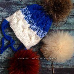Зимняя вязаная шапка с меховым помпоном в наличии