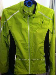 Продам женскую, куртку для занятий спортом фирмы TCM Active