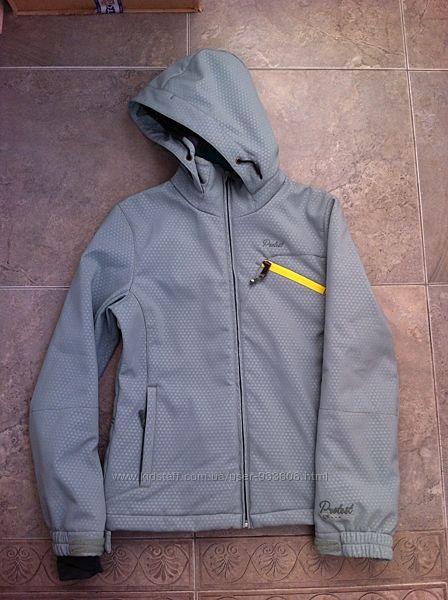 Продам детскую, лыжную софтшелл куртку Protest