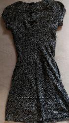 Классное платье миди, в составе есть шерсть