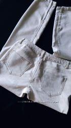 Светлые джинсы с молнией внизу, р. 28