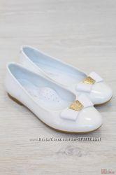 Туфли белого цвета с бантом для Вашей девочки Kemal Pafi