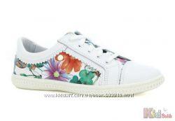 Мокасины для девочки белые с цветами Bartek