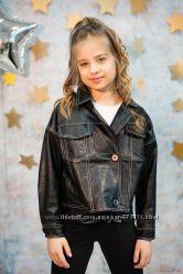 Черная куртка-косуха отстроченная белыми нитками HanMiNa