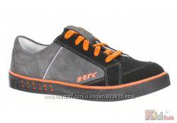 Туфли в спортивном стиле с яркими вставками для мальчика Bartek