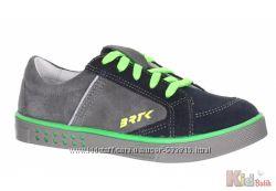 Туфли в спортивном стиле с яркими вставками и светоотражателями Bartek