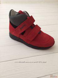 Ботинки для мальчика, красного цвета Bartek
