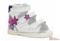 Босоножки ортопедические белого цвета для девочки Bartek