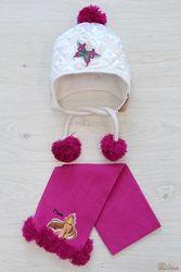 Комплект шапочка белая с помпонами и с шарфом для девочки Winx