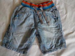 Джинсовые шорты Next и два комплекта шорты и майка