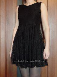 маленькое черное  платье Warehouse