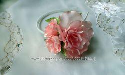 Нежный розовый обруч с розами