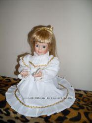 Коллекционная фарфоровая кукла  Royalton