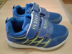 Почти новые кроссовки 18, 5 см по стельке
